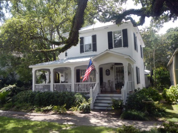 Lots of cool homes from the 1800s
